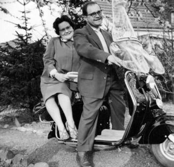 Erster Motorroller