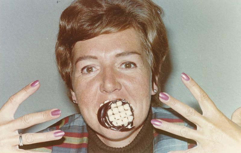 dickmann, fingernägel, lustig, nagellack, schaumkuss, schokokuss, Spaß, Süßigkeit, witzig