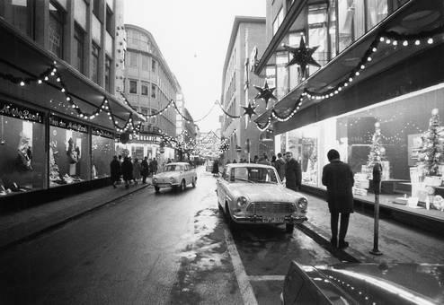 Weihnachtliche Straße