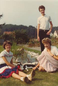 Jugendliche im Garten