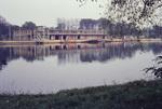 Spiegelung im Rhein