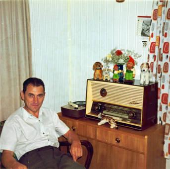 Opa und sein Radio