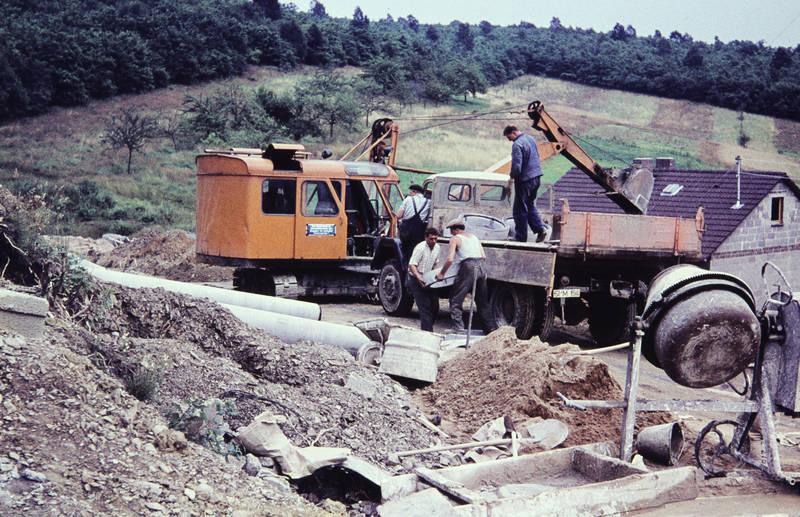 Bagger, Bauarbeit, Baustelle, Betonmischer, Seilbagger, Siedlung