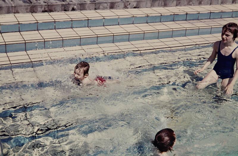 badeanzug, Fliesen, freibad, Kindheit, schwimmbad, Treppe