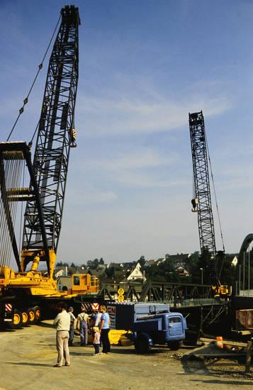 BAuarbeiten, Bauarbeiter, Baustelle, gebäude, haus, Kran, langenauer brücke, Siedlung