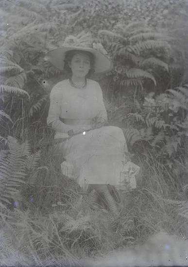 Damenmode, hut, kleid, mode, pflanzen, porträt