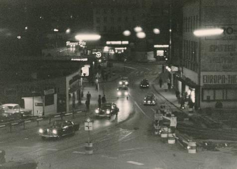 Barmen bei Nacht