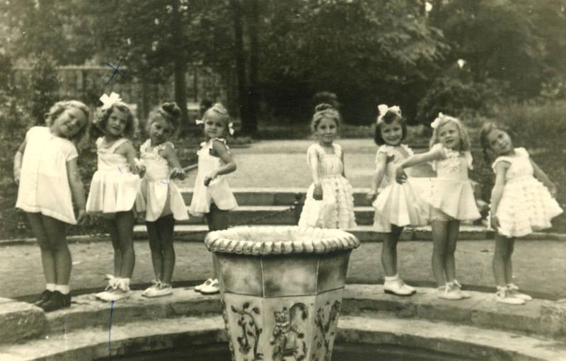 Aufführung, Ballett, Brunnen, freizeit, Hobby, Kindheit, Spaß, tanz der elfen, tanzen, Tanzschule, Trier