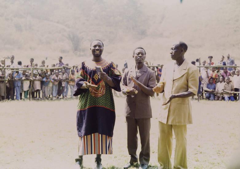 afrika, fest, Fon, Kamerun, kleidung, mode, Oshie, tradition, Traditionelle Kleidung, veranstaltung