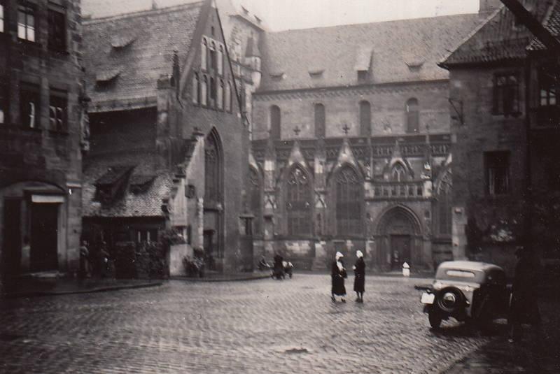 auto, Gasthof, kapelle, KFZ, kirche, Moritzkapelle, Nürnberg, PKW, Sankt-Sebaldus-Kirche, Sebalder-Platz