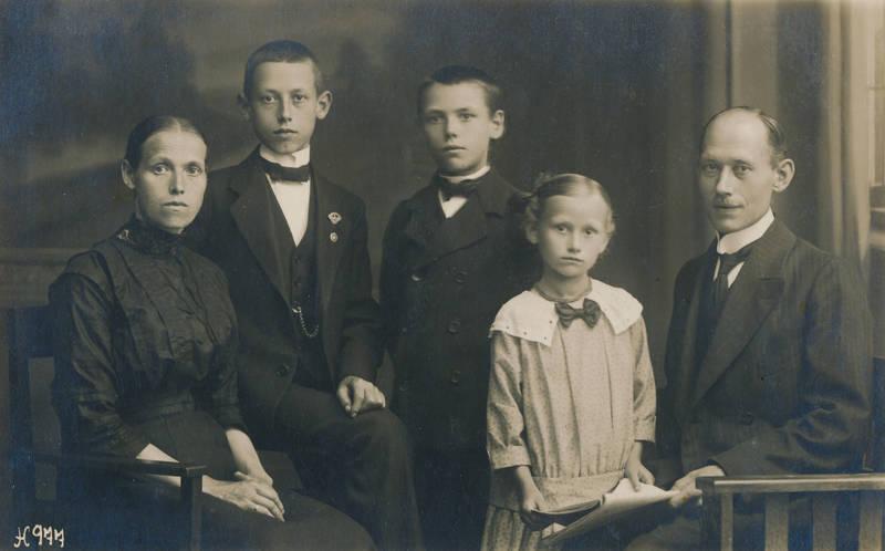 Eltern, familie, Fotostudio, Geschwister, Kabinettaufnahme, Kabinettfoto, mode, porträt