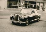 Erste Taxifahrerin
