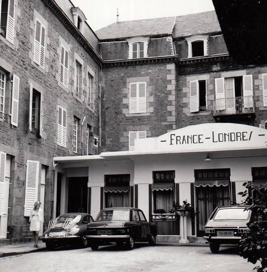auto, Avranches, Hotel, hotel de frances et londres, KFZ, Normandie, peugeot-204, pk, porsche-356, renault-16