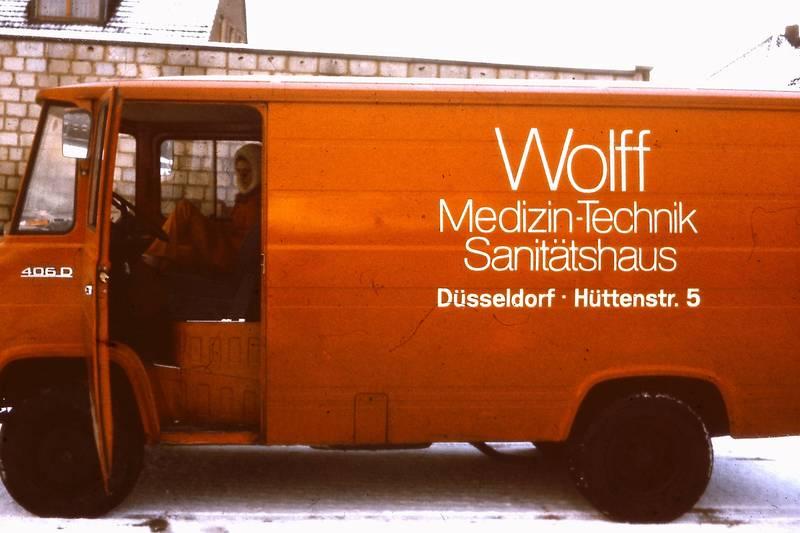 Düsseldorf, Firma, hüttenstraße, LKW, Medizin-Technik-Sanitätshaus, mercedes-406d, schnee, Transporter, winter, ziegelhütte