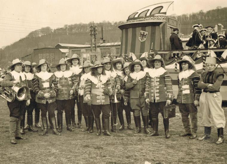 2. Weltkrieg, Aachen, Bendplatz, bunker, karneval, karnevalist, karnevalsverein, Lousberg, Rütscher-Straße, Uniform