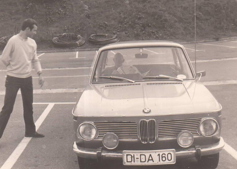 auto, BMW, bmw-02, bmw-1600, KFZ, PKW, zeitung, Zusatzscheinwerfer