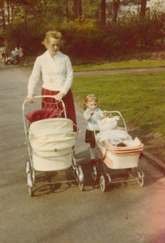 Unterwegs mit Kinderwagen