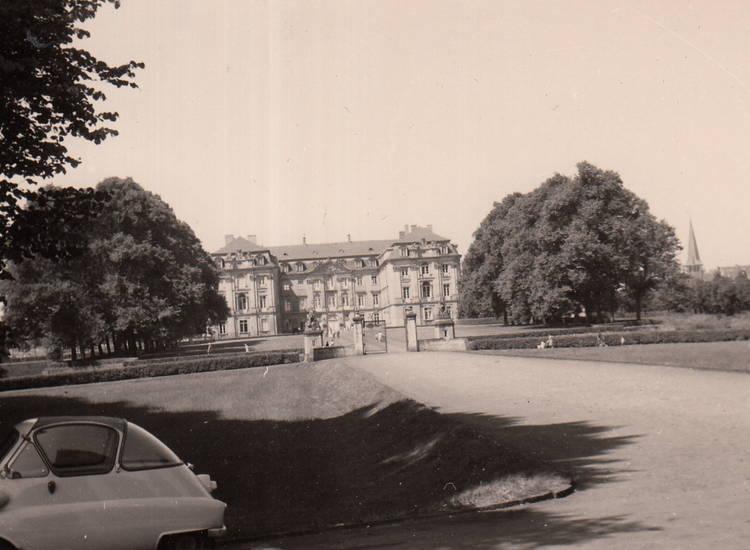 auto, BMW-Isetta, KFZ, PKW, Schloss, Schloss Brühl