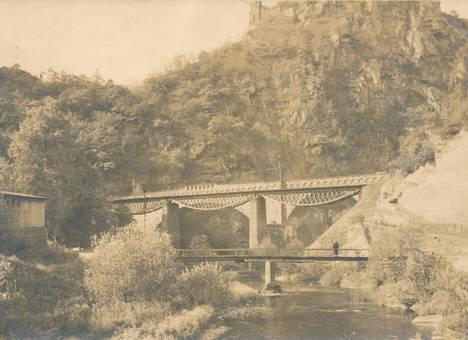 Brücken über den Fluss