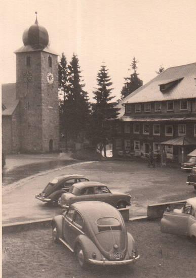 auto, DKW3=6, KFZ, kirche, kirchplatz, Kirchturm, Lloyd, Lloyd P 600, Ovali, PKW, Schluchsee, schwarzwald, VW-Käfer