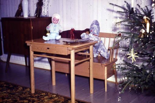 Weihnachtsgabentisch