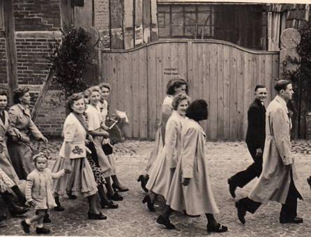 Frauengruppe beim Sängerfest