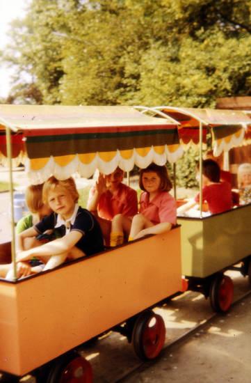 bahn, Gleis, Kindheit, Kleinbahn, Orange