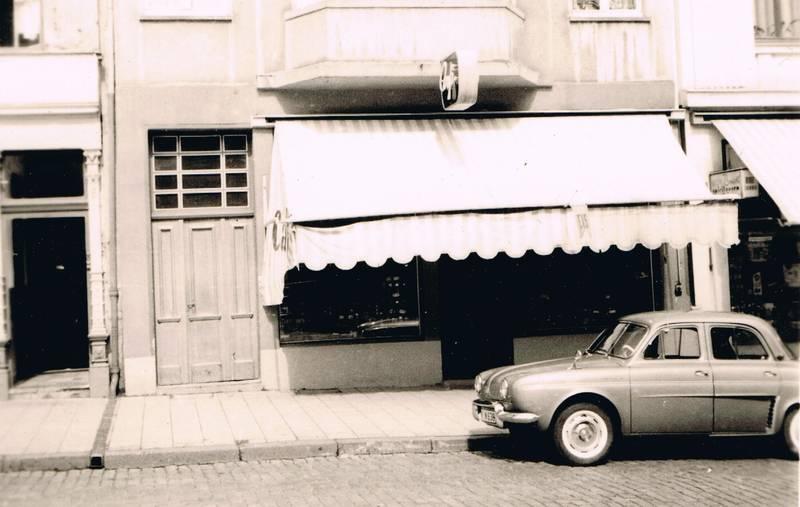Aachen, auto, Café Niessen, Eis, KFZ, limousine, PKW, Pontstraße, Renault, Renault-Dauphine