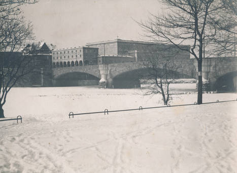 Alte Schlossbrücke im Winter