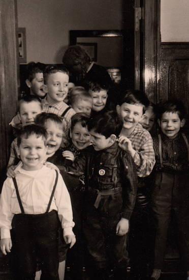 Kindheit, kniebundlederhose, lachen, lederhose, Norderney, Ostern