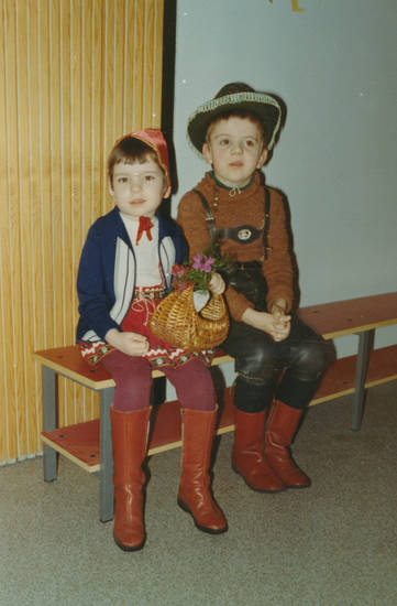 cowboy, karneval, kind, Kindheit, kniebundlederhose, Kostüm, lederhose, mode, Rotkäppchen, stiefel, verkleidung