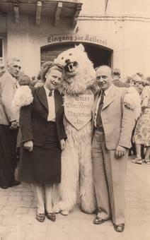 Erinnerungsfoto mit Eisbär