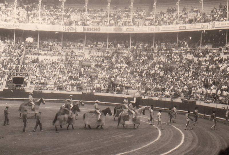 arena, Pferd, Reiter, Spanien, stierkampf, Stierkampfarena, Torero, Zuschauer
