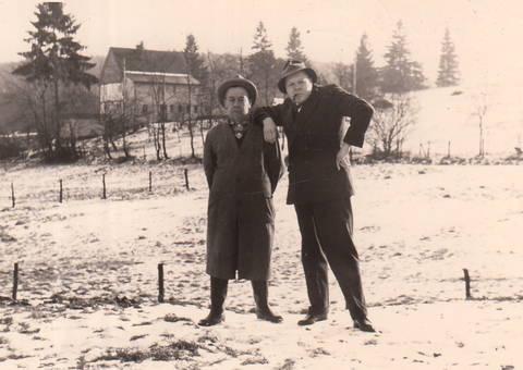 Zwei Männer im Schnee