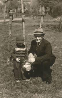 Wilhelm Hannes mit Sohn.