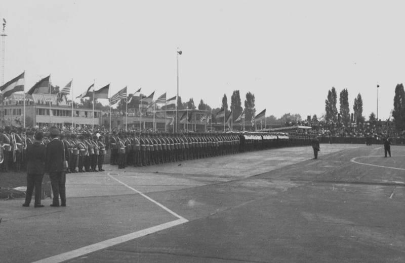 fahne, Flughafen, köln, Staatsbesuch, staatsgast, Uniform