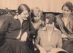 Vier Frauen und ein Buch