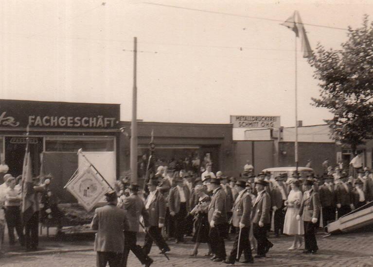 Fachgeschäft, köln, Metalldruckerei Schmitt O.H.G., Schützenverein, schützenzug, Umzug