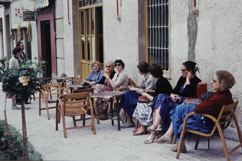 andalusien, cafe, ferien, gruppe, Jaén, mode, reise, reisegruppe, Spanien, straßencafe, urlaub