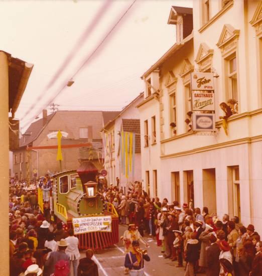 Fasching, festwagen, gasthaus, karneval, karnevalsumzug