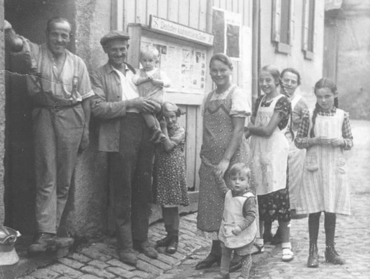 Hornweiler, Kindheit, Milchgeld, mode, schürze, Warten