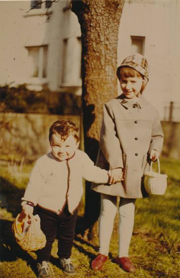 Geschwister, Kindheit, mantel, mode, mütze, osterkorb, osterkörbchen, Ostern