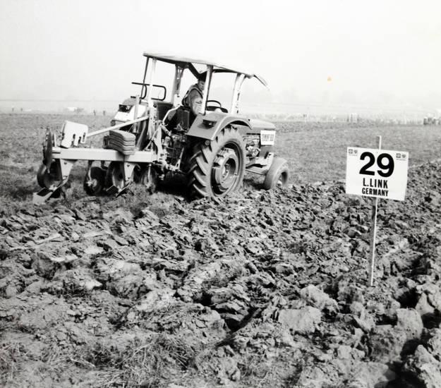 feld, Landwirt, leistungspflügen, pflug, Pflügen, traktor, Wettbewerb, wettbewerbsfeld
