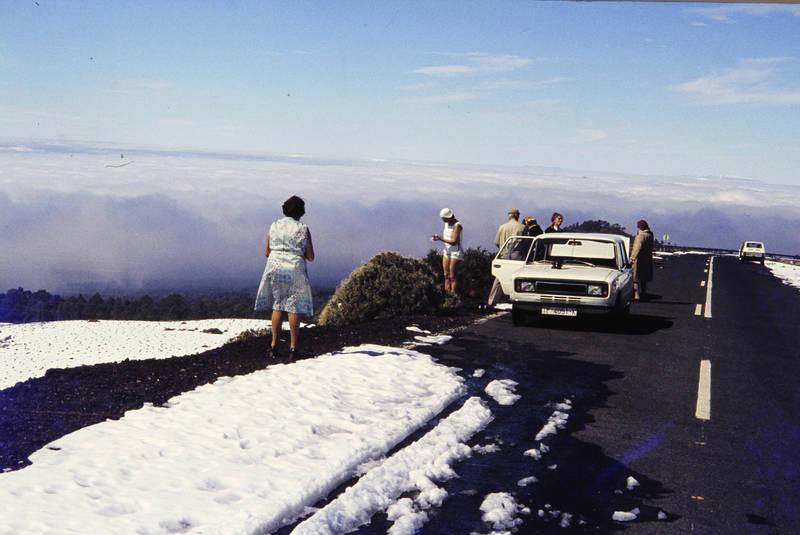 auto, Berg, Gebirge, guia, guia de isora, Kanaren, kanarische insel, KFZ, PKW, Spanien, straße, Teide, teneriffa, wolken