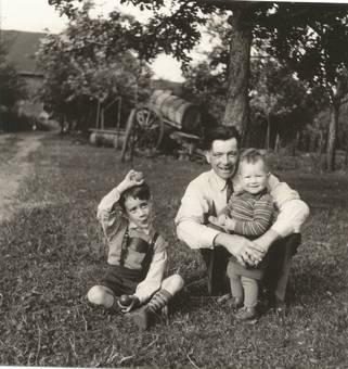 Wilhelm Hannes mit Kinder.