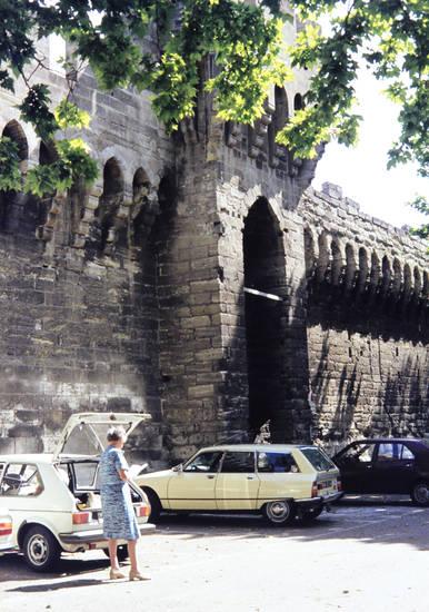 auto, Avignon, citroen-gs, ferien, Frankreich, KFZ, Parkplatz, PKW, reise, urlaub, VW-Golf, Wuppertal