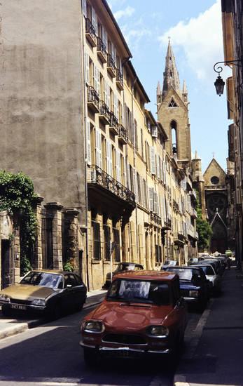 aix-en-provence, auto, ferien, Frankreich, KFZ, Kirchturm, PKW, reise, Saint-Jean-de-Malte, straße, urlaub