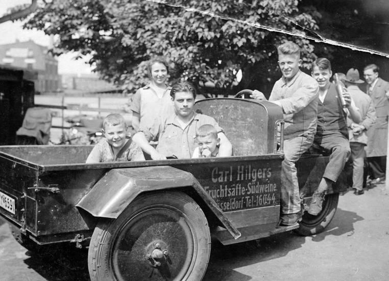 2.Weltkrieg, auto, carl hilger, Carl Hilgers, Düsseldorf, Firma, firmenwagen, Frimenwagen, Fringsstraße, fruchtsäfte, KFZ, PKW, Südweine, zweiter weltkrieg