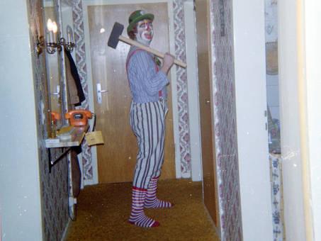 Clown im Flur