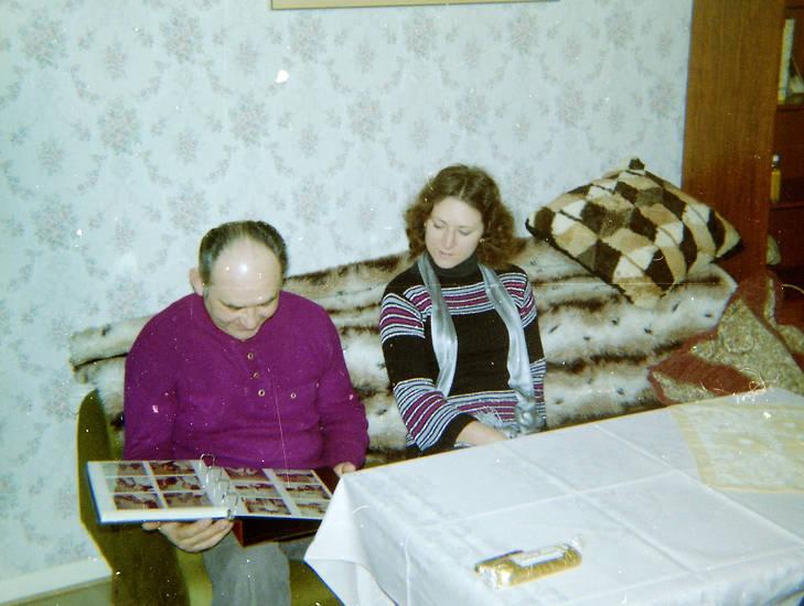 Decke, Fotoalbum, kissen, oma, sofa, tisch